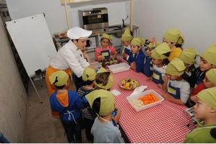 Diputación de Cáceres promueve hábitos de consumo y alimentación saludable en colegios de la provincia