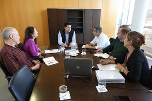 La Delegación de Concertación y Participación Territorial de la Diputación de Badajoz visita la institución provincial de Málaga