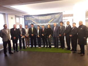 El presidente de la Diputación ensalza el papel de la mujer en el ámbito de la cooperación internacional