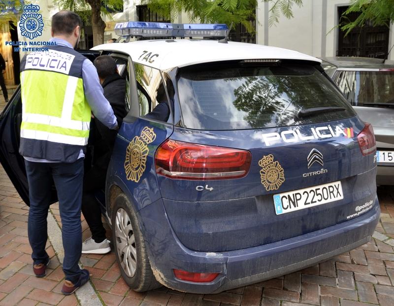 La Policía Nacional detiene a cuatro hombres por lesionar a otro