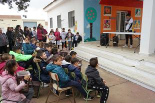 El CRA La Espiga de El Torviscal inicia una experiencia pionera de compostaje escolar