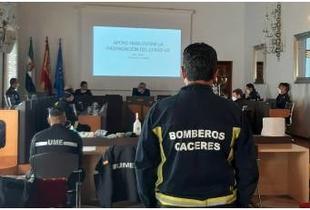 Los bomberos de la Diputación, preparados para comenzar la desinfección en el interior de residencias y pisos tutelados