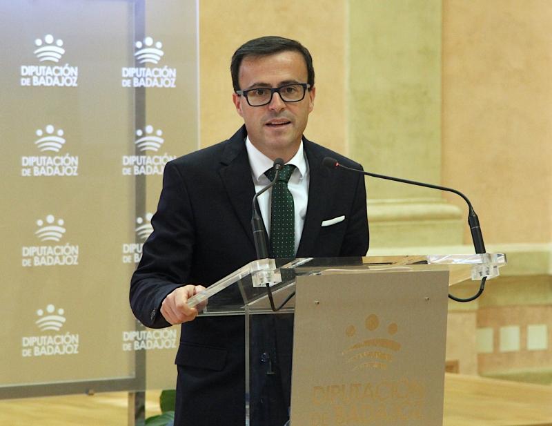 La Diputación de Badajoz presenta su Plan SUMA + para contribuir a la reconstrucción de Extremadura