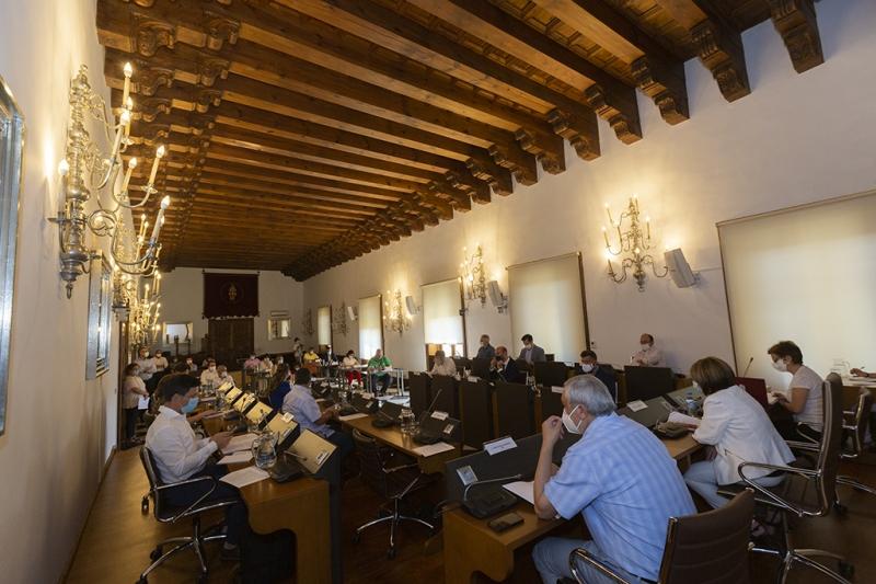 Diputación lleva a pleno medidas de ayuda a familias y al sector turístico para la igualdad y reactivación de la provincia