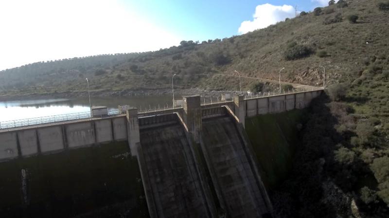 Zafra, Puebla de Sancho Pérez y Medina de las Torres comienzan a recibir agua de Los Molinos