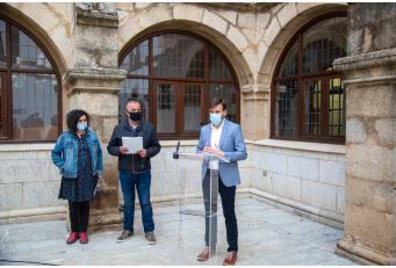 La tradición oral, tema en torno al que giran las campañas 'Tesoros de papel' y 'La biblioteca habitada' de la Diputación