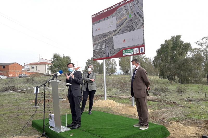 Firmado el convenio para la ejecución de la nueva variante de Orellana que mejorará el acceso a la playa Costa Dulce