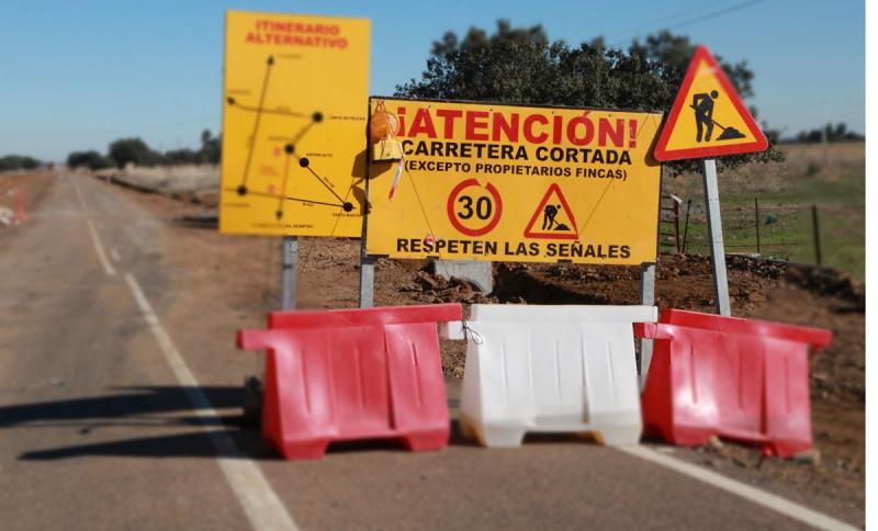Corte en la Carretera Provincial BA-078 de Higuera de Vargas a EX-112 por Zahínos