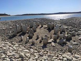 El grupo de trabajo del Dolmen de Guadalperal continúa con las actuaciones de protección, estudio y recuperación del monumento