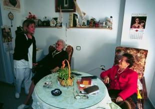 La Diputación subvenciona la atención personal en el domicilio en localidades menores de 20.000 habitantes