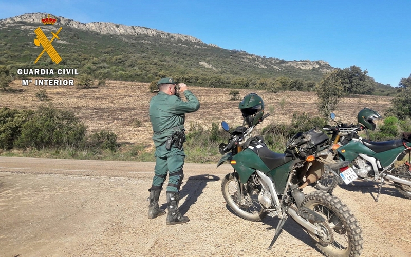 Denunciados 18 conductores de motos y quads que circulaban por espacios forestales protegidos sin autorización