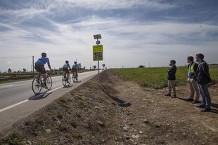 La Diputación de Cáceres instala un sistema de detección de ciclista en la carretera provincial que une Cáceres y Casar de Cáceres