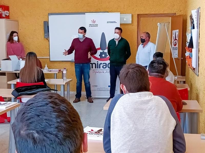 Inaugurado un curso de Instalaciones solares fotovoltaicas en Hornachos