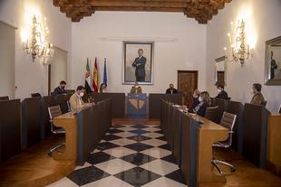 La Diputación de Cáceres retoma y actualiza el Plan de lucha contra la exclusión financiera en los municipios de la provincia