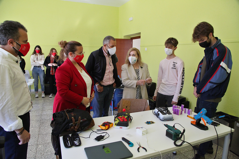 La Diputación de Badajoz y AOEX firman un convenio para el desarrollo de la campaña ''Ayúdanos a conseguir sonrisas''