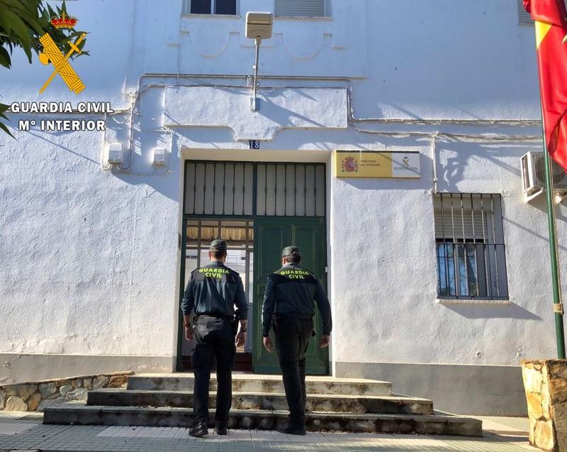 Detienen a un vecino de los Santos de Maimona como presunto autor de la muerte de sus dos hermanos