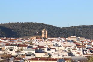 La Junta de Extremadura acuerda el cierre perimetral de Los Santos de Maimona que entrará en vigor en la noche de este jueves a las 00.00 horas
