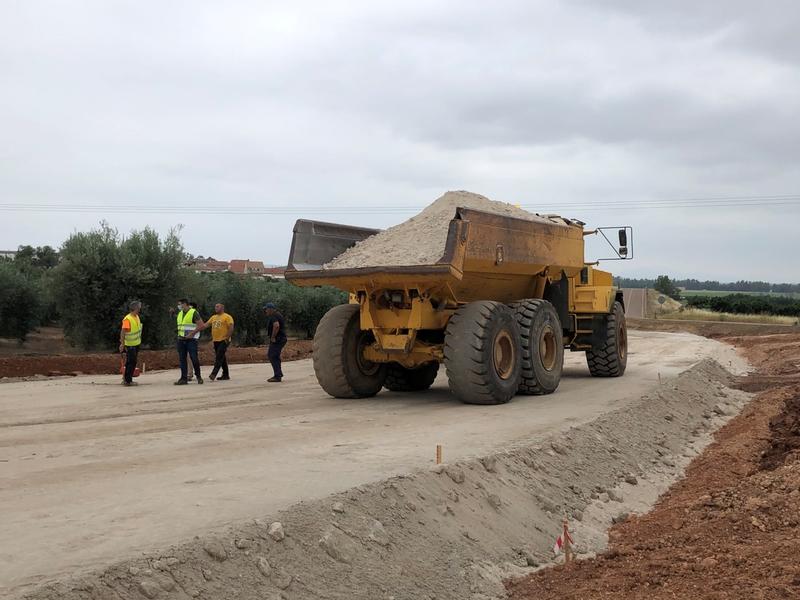 Comienzan las obras de la carretera de circunvalación en Valdetorres, del municipio a la EX-105