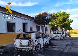 Detienen al autor material del incendio de dos vehículos en Fuente de Cantos
