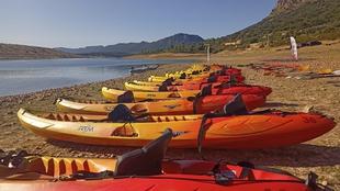 Españoles y portugueses realizan las travesías en kayak celebradas en Peloche, Puerto Peña, Olivenza y Monsaraz-Cheles