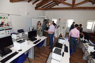 """El presidente de la Diputación visita, en Carcaboso, el espacio donde se creará el Centro de Empleo y Emprendimiento """"Charo Cordero"""""""