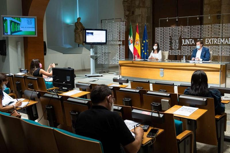 Esther Gutiérrez anuncia en la presentación del nuevo curso escolar más docentes de refuerzo para afrontar la prevención frente a la COVID-19