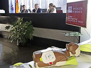 Abierta la licitación para el mantenimiento de los desfibriladores externos de la Diputación de Badajoz y los ayuntamientos adheridos