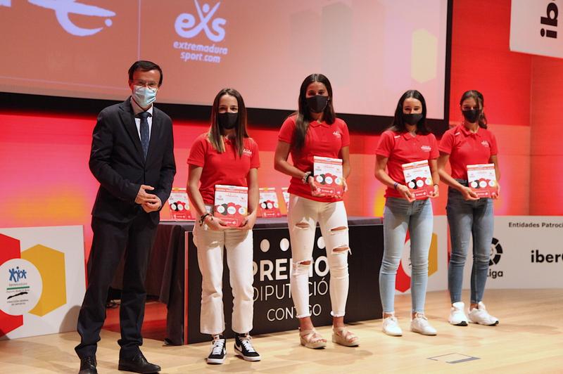 El presidente provincial asiste a la entrega de los premios 'Diputación Contigo'