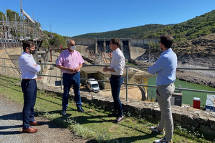 El presidente de la Diputación apoya al alcalde de Serradilla ante el estado del río Tajo en el Parque Nacional de Monfragüe
