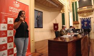 La Diputación de Badajoz estrena servicio de interpretación de lengua de signos en sus plenos