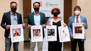 Entregados los ''Premios a la Excelencia'' con una conferencia de Paco Mora y Pilar Boyero