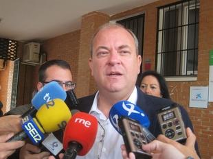 Monago exige a Vara ''compromiso'' con el proyecto de regad�o de Tierra de Barros