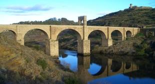 El borrador de Presupuestos de la Junta incluye una partida de 12,2 millones en 4 a�os para un nuevo puente en Alc�ntara