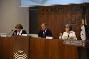 Unas jornadas de la Asociaci�n Oncol�gica de Extremadura contribuir�n a fomentar la detecci�n precoz del c�ncer