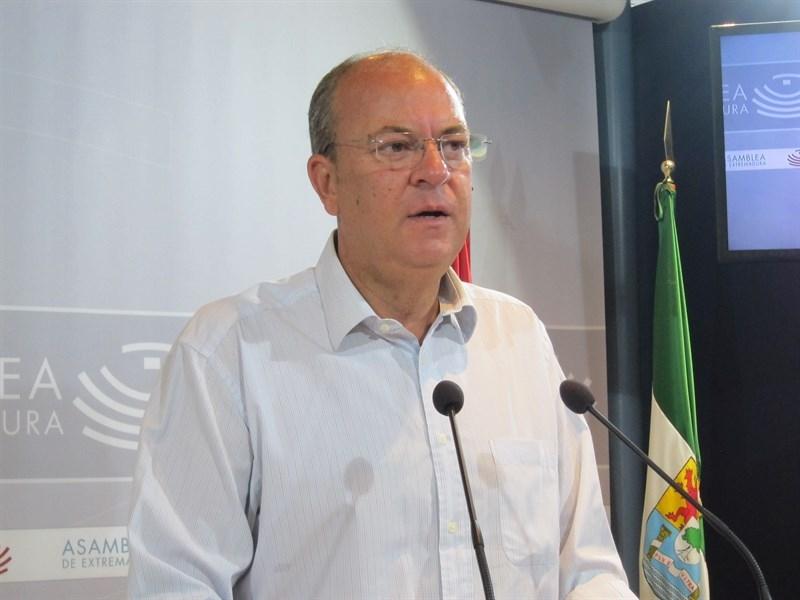 Monago asegura que ''la ruptura'' del PSOE debe solucionarse ''cuanto antes'' para acabar con ''la par�lisis del pa�s''