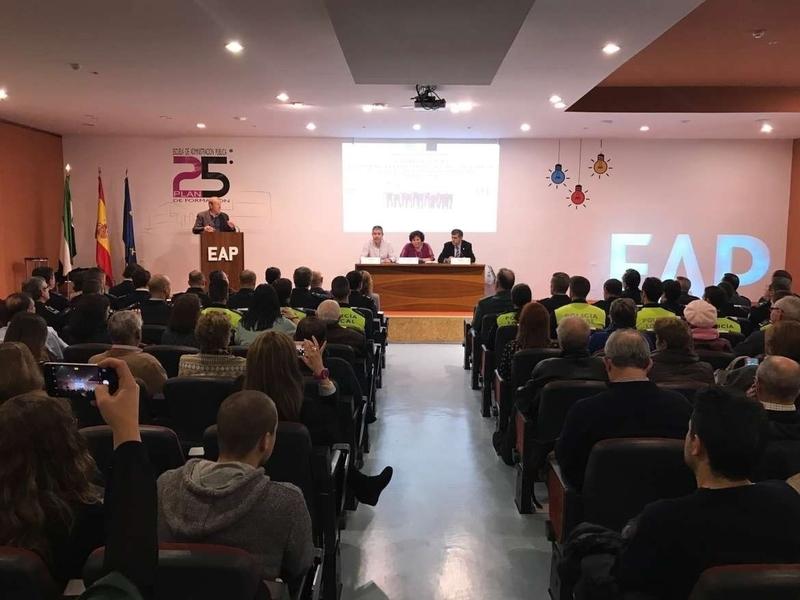 Begoña García resalta la importancia de la Policía Local en la entrega de nuevos despachos