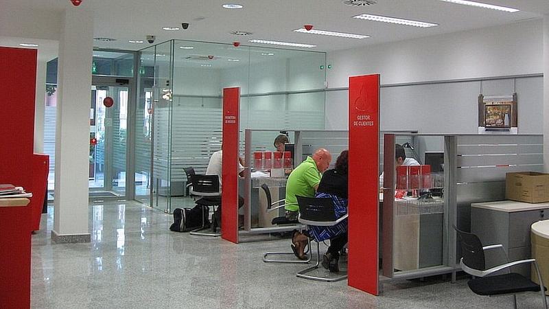 La justificia europea obliga a los bancos espa oles a for Clausula suelo badajoz