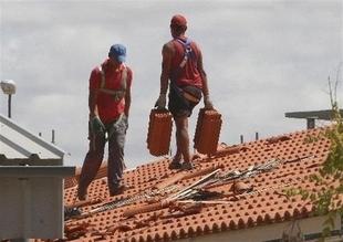 El número medio de afiliados extranjeros a la Seguridad Social baja un 0,83 por ciento en enero en Extremadura