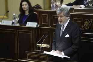 Méndez de Vigo debate este lunes con comunidades autónomas sobre el pacto educativo en el Senado