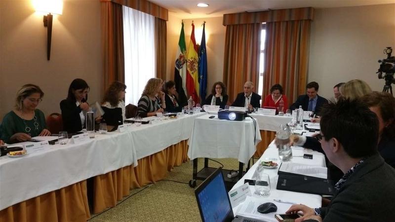 Extremadura aporta unos 4.500 documentos a Redined, el fondo sobre educación ''más importante'' de la región