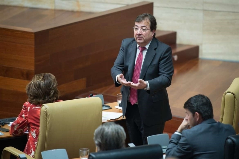Vara reitera que Podemos debe pedir disculpas por poner ''en la diana al presidente del Gobierno que modernizó el país''