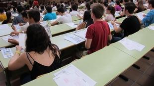 El Ministerio de Educación permitirá a las CCAA que bajen los precios de los másteres para que los igualen a los grados