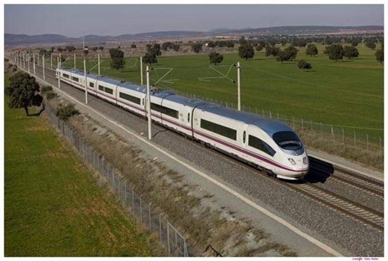 Renfe refuerza con 2.000 plazas los trenes que enlazan Extremadura y Madrid durante el puente del 1 de mayo