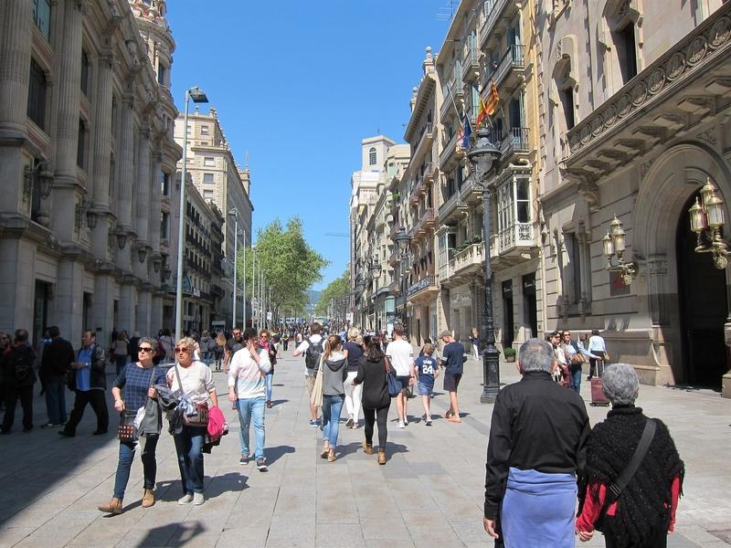 Un total de 561.553 personas nacidas en Extremadura residía en 2016 en otras comunidades autónomas españolas