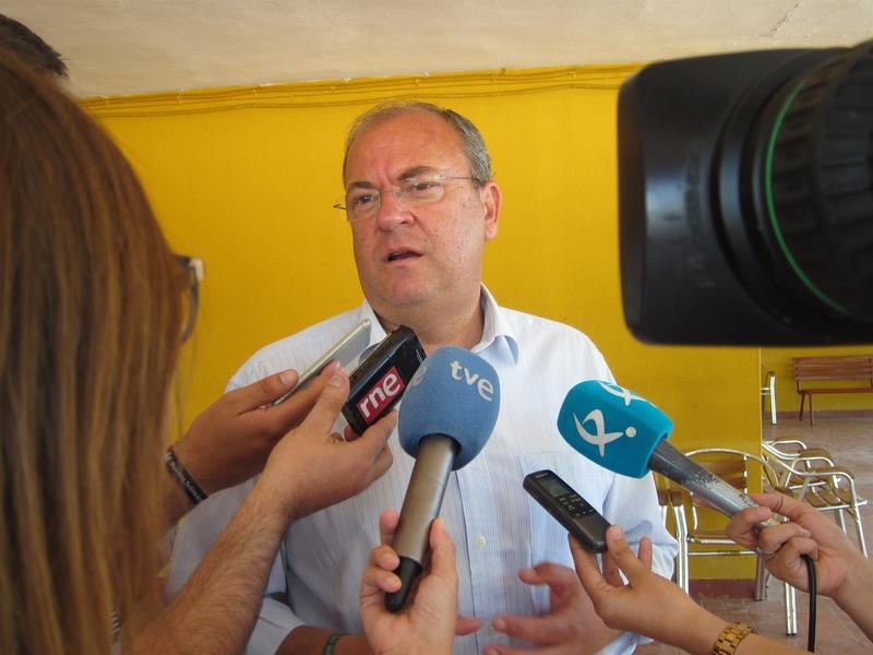 Monago resume el gobierno de Vara en los dos últimos años en ''deuda, déficit y desempleo'' y en menor crecimiento