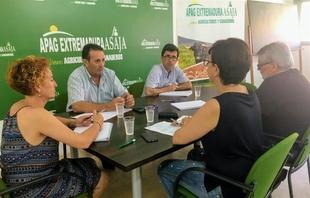 APAG reúne a organizaciones agrarias y cooperativas agroalimentarias para abordar los problemas del campo extremeño