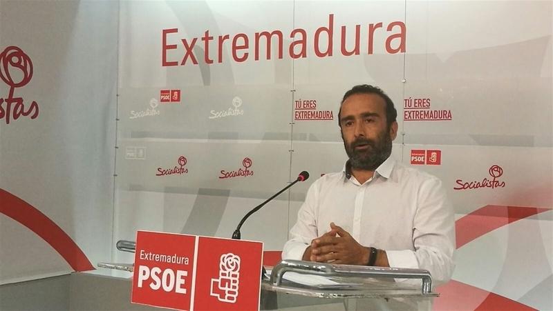 El PSOE dice que Vara anunciará ''nuevas medidas de calado'' para colectivos en el Debate sobre el Estado de la Región