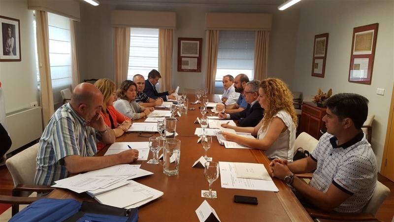 El aumento del 3% de los fondos del Programa de Fomento del Empleo Agrario para Extremadura generará 40.400 contratos