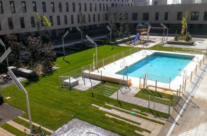 Las viviendas con piscina se venden un 45% más caras en Cáceres y un 18,4% en Badajoz, según idealista