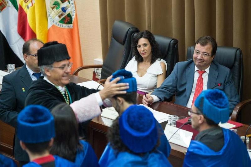 El presidente de la Junta destaca la oportunidad que representa la Universidad para transformar y cambiar las cosas